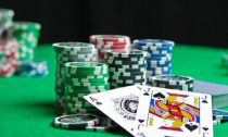 Enjoy The Benefits Of The Online Gambling When You Play