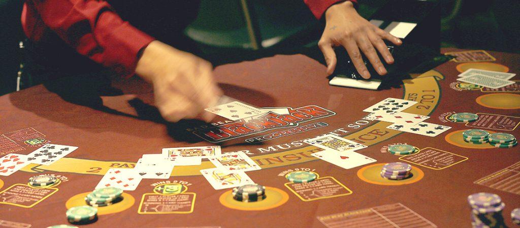 poker domino gambling